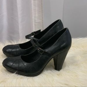 Kenneth Cole Reaction Main character black shoes 7